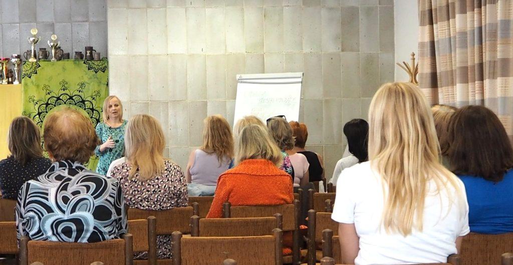Přednáška o Hlubinné přestrukturaci - Marie Plochová Hlávková